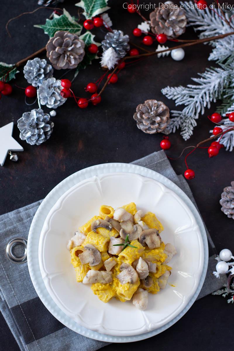 Pasta con storione crema di zucca e funghi