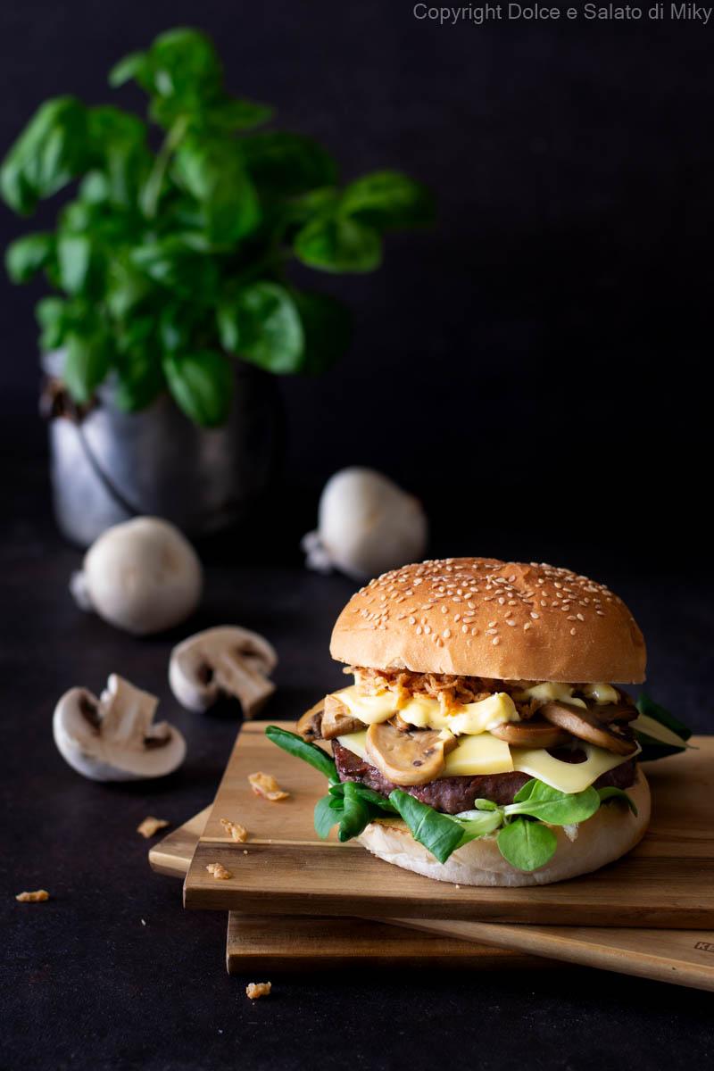 Hamburger ai funghi