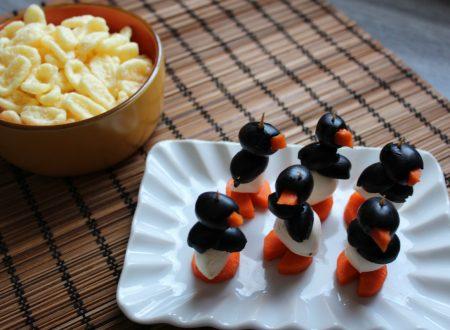 I pinguini stuzzichini con olive mozzarelline e carote