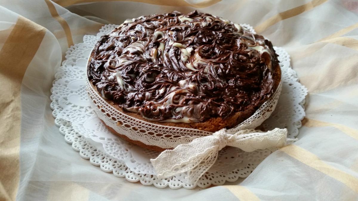 Torta marmorizzata panna e cioccolato