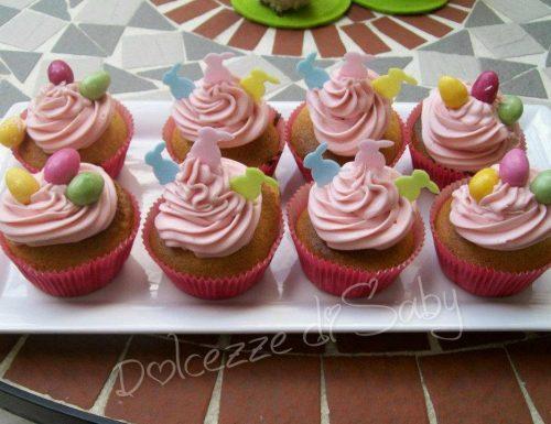 Cupcakes con crema ai frutti di bosco