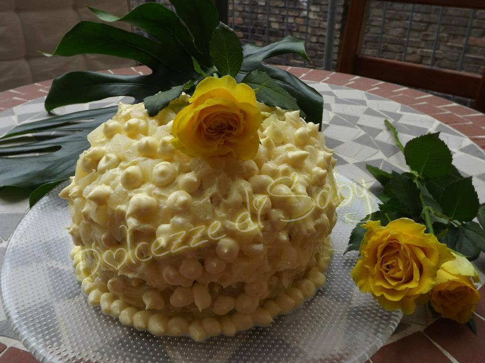 Questa é la mia torta mimosa che ha vinto anche un contest 8 Marzo 2014 su Facebook per originalitá e io ne vado molto fiera .