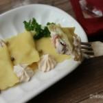 Ravioli ricotta e salmone (con crema al salmone)