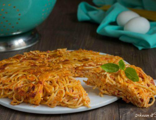 Pasta fritta o frittata di pasta ( ricetta veloce e di riciclo)
