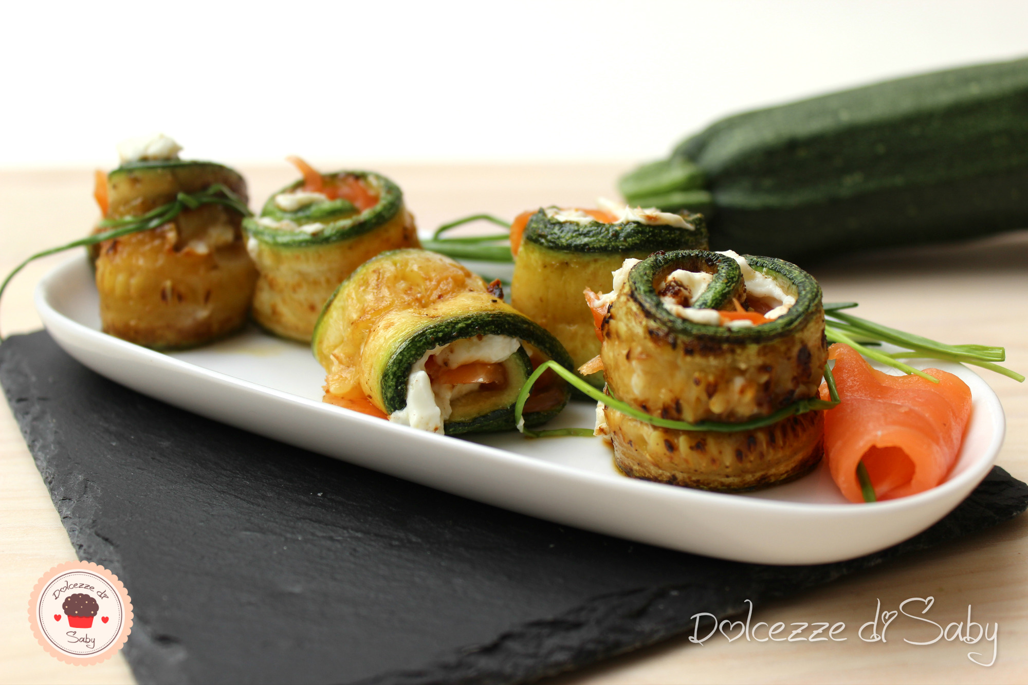rotolini zucchine e salmone