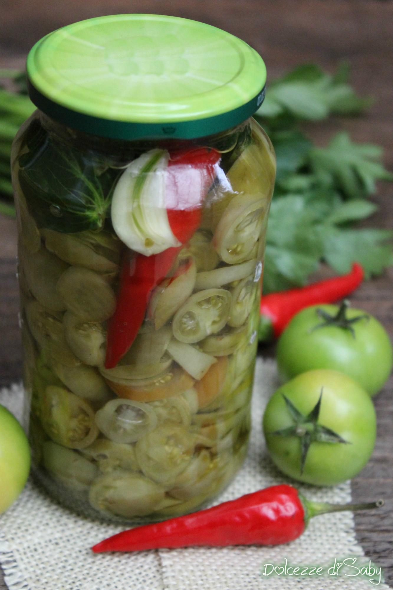 La ricetta della nonna dei pomodori verdi sott'olio