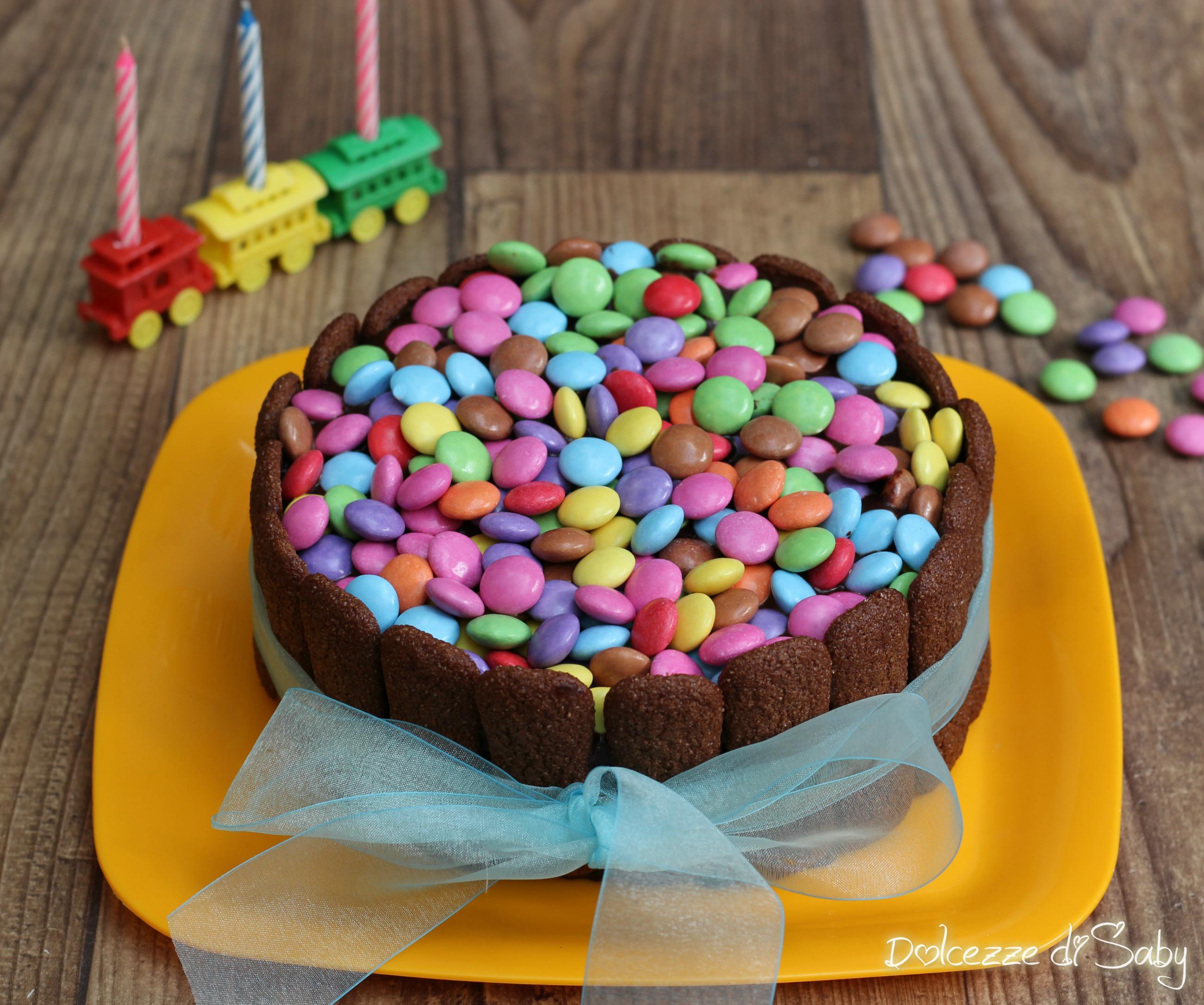 Torta cioccolatini colorati (per bambini)
