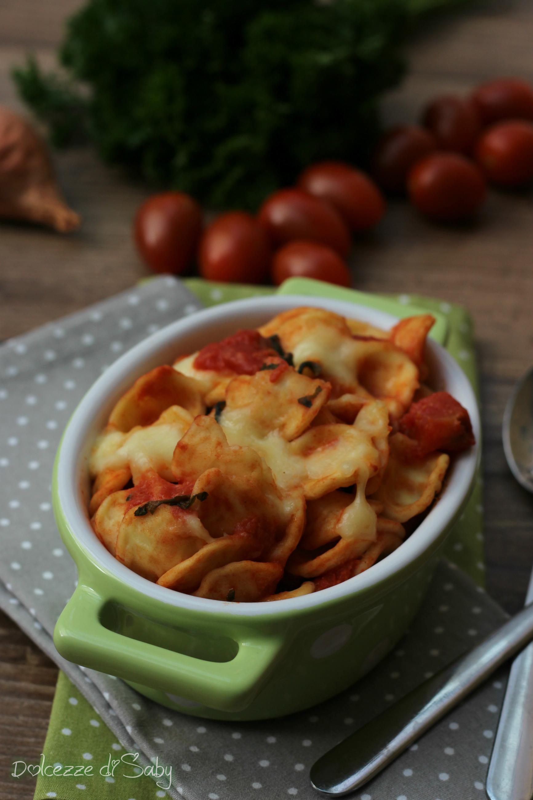 orecchiette pomodoro e mozzarella