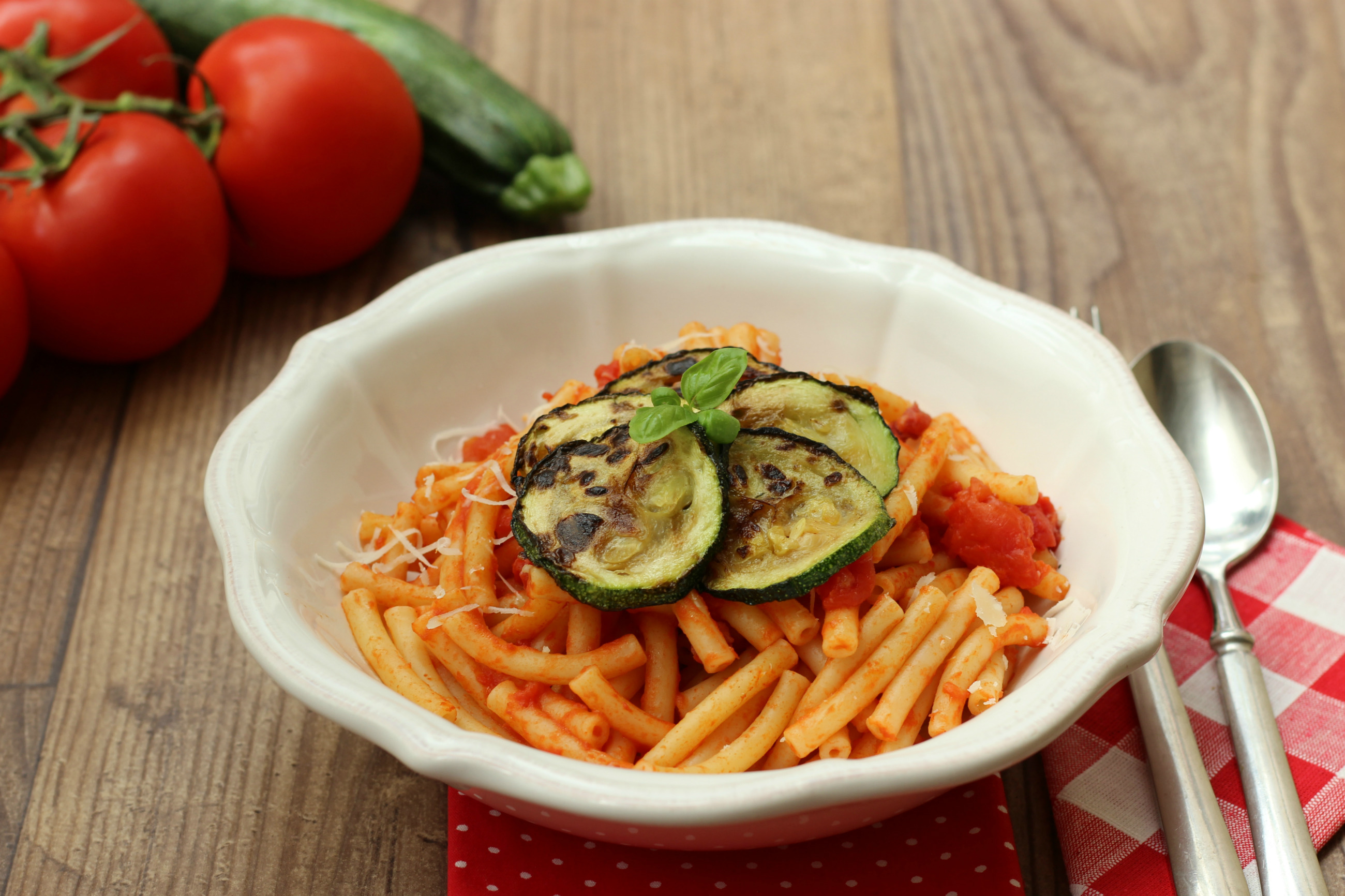 Pasta pancetta e zucchine fritte