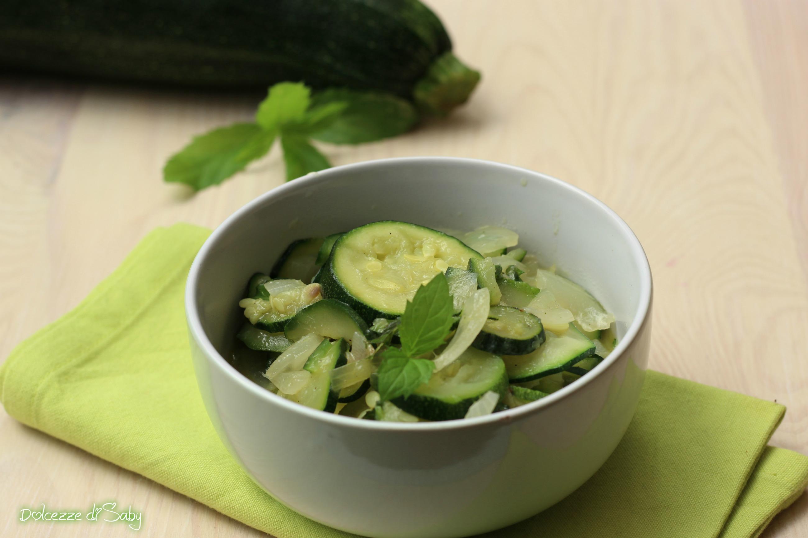 Zucchine in umido profumate alla menta