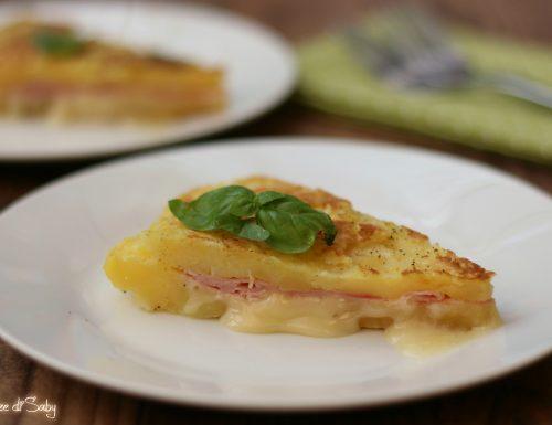 Schiacciata di patate ripiena cotta in padella