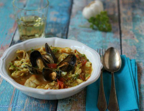 Zuppa di pesce misto profumato alla curcuma (con e senza mcp)