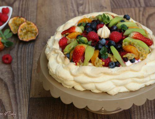 Pavlova con frutta fresca (torta australiana)