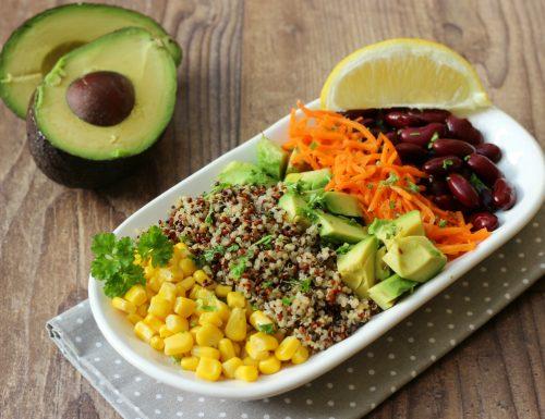 Insalata di quinoa e avocado