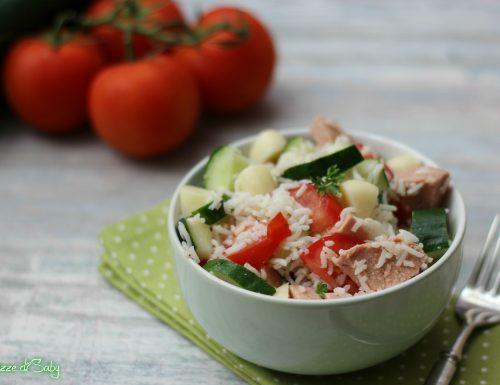 Insalata di riso basmati con provola, würstel e verdure