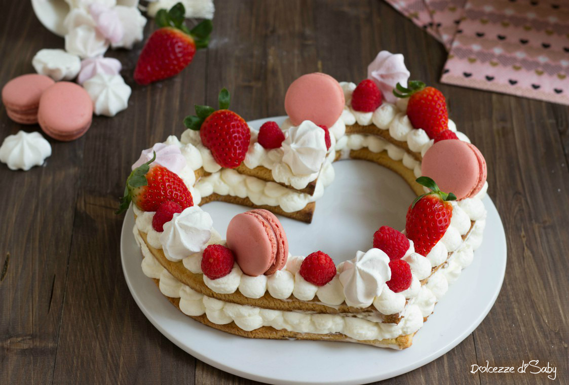 Decorazioni con panna holidays oo for Decorazioni torte vendita