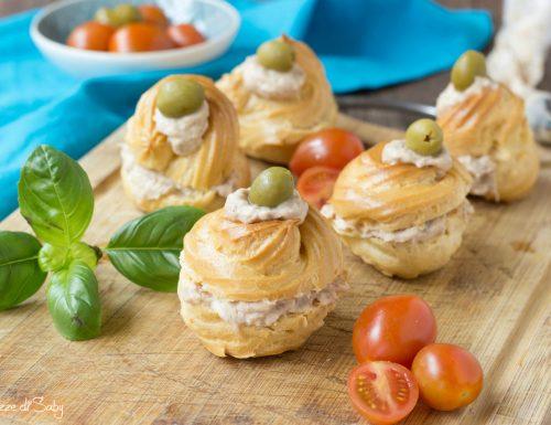 Zeppole salate con mousse di tonno (idea antipasto)