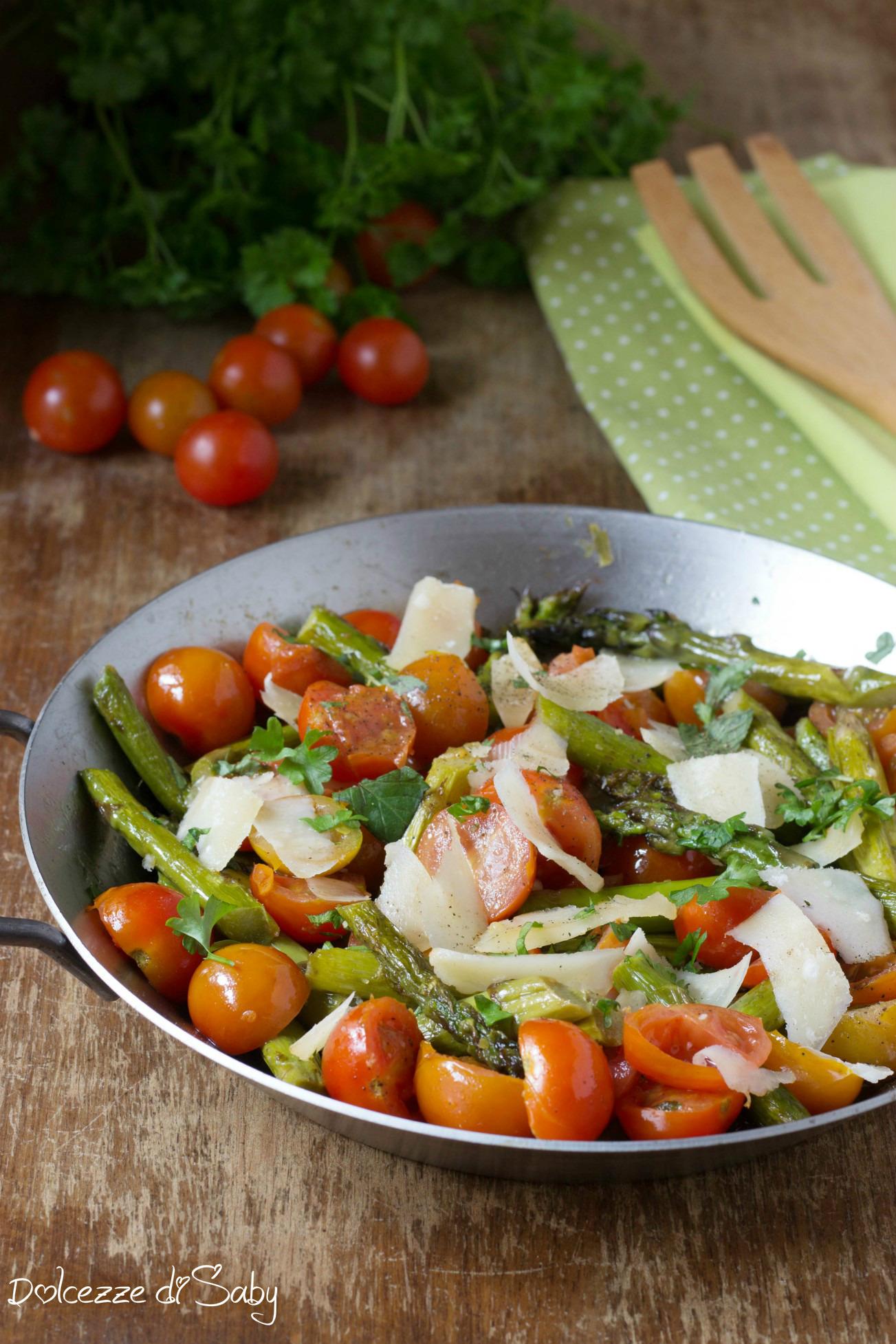 Insalata di Asparagi Pomodorini e Parmigiano