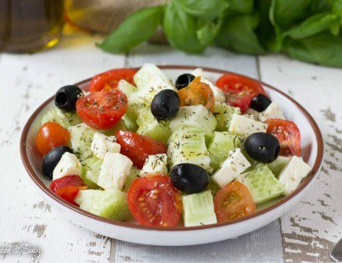 Insalata di cetrioli alla greca