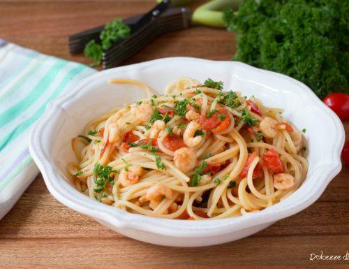 Spaghetti ai gamberetti e pomodoro