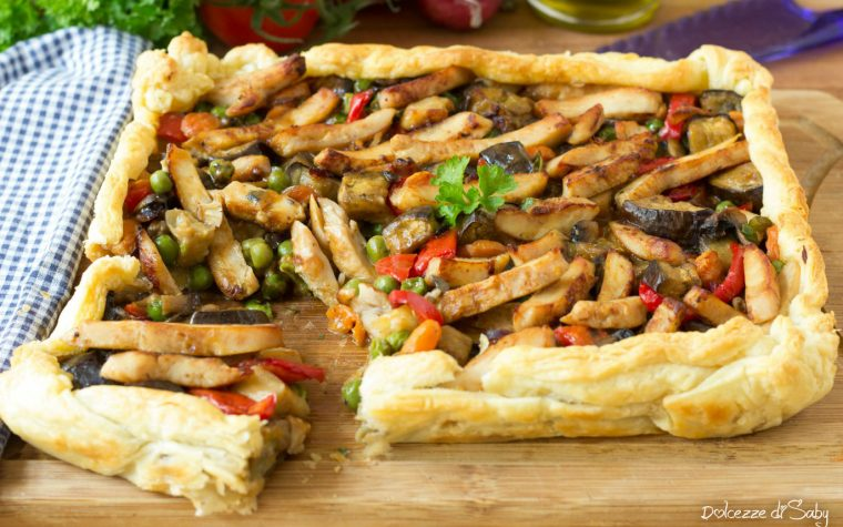 Torta salata con verdure e pollo