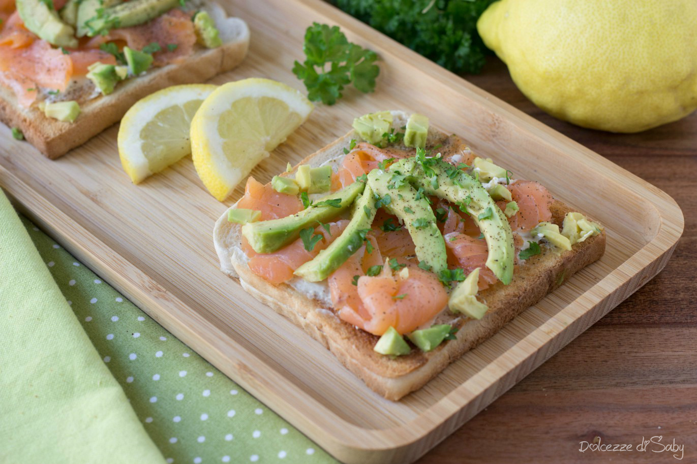 Toast Avocado e Salmone ( Pronti in 10 Minuti)
