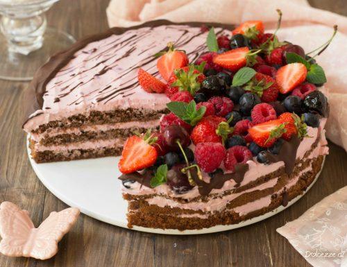 Torta cioccolato e frutti rossi