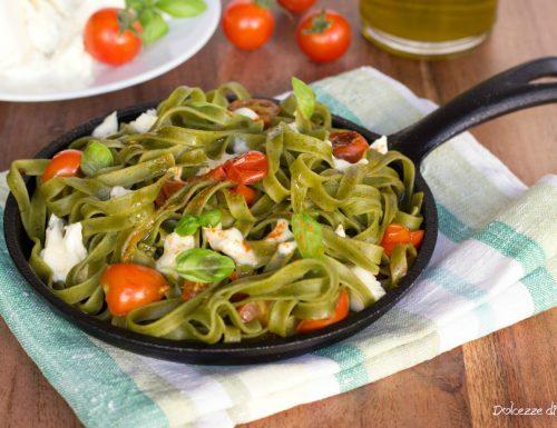 Tagliatelle pomodorini e mozzarella di bufala