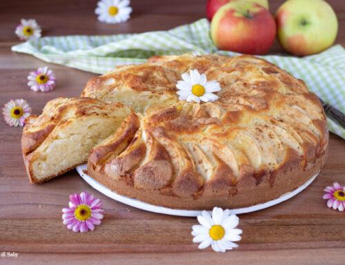 Torta di mele e yogurt morbida