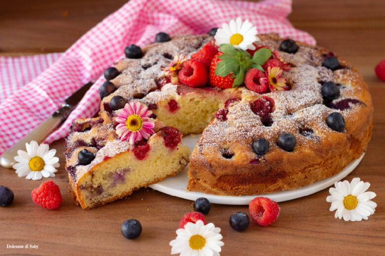 Torta morbida ai frutti rossi