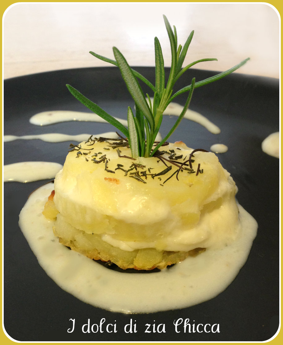 Torrette di patate con fonduta di formaggi