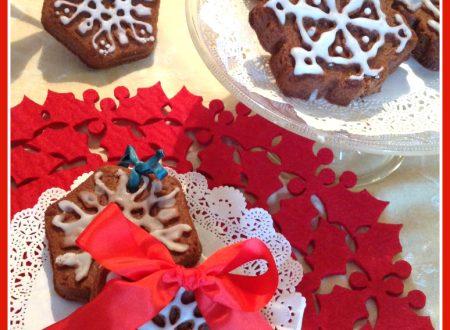 Biscotti al cioccolato con pasta di nocciole da appendere