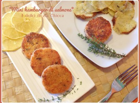 Mini hamburger di salmone in crosta di pistacchio