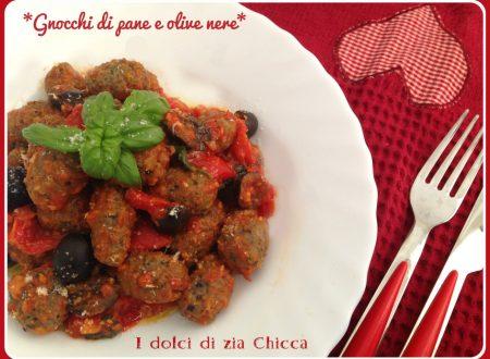 Gnocchi di pane e olive nere, ricetta riciclo