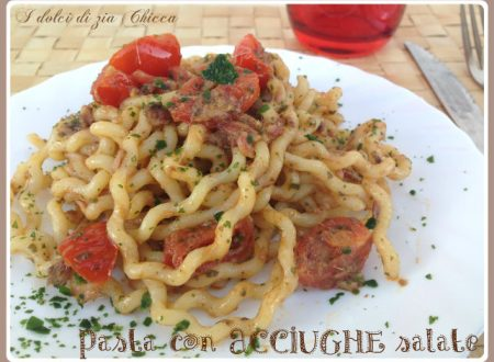 Pasta con acciughe salate