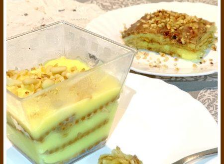 Dessert della nonna con biscotti e crema pasticcera