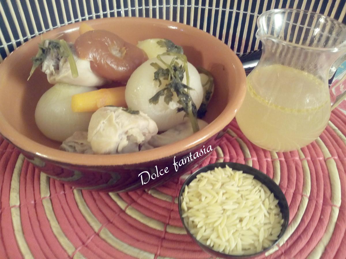Brodo di pollo home made per grandi e piccini