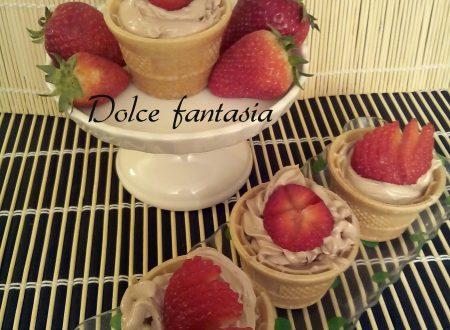 Coppette gelato alla mousse di nutella e fragole