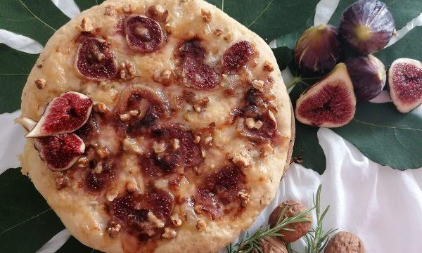 Focaccia gorgonzola, fichi e noci – senza glutine