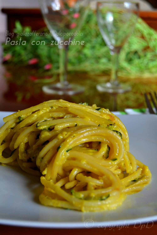 Pasta con zucchine 01