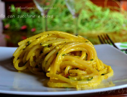 Pasta con zucchine e uova