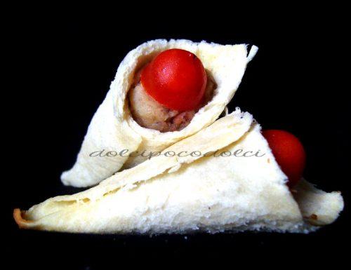 Coni di pane salati farciti con verdure