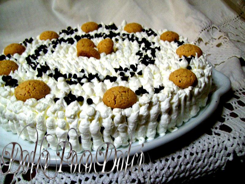 Torta panna e cioccolato con amaretti e crema di nocciole 000