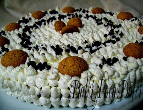 Torta panna e cioccolato con amaretti e crema di nocciole