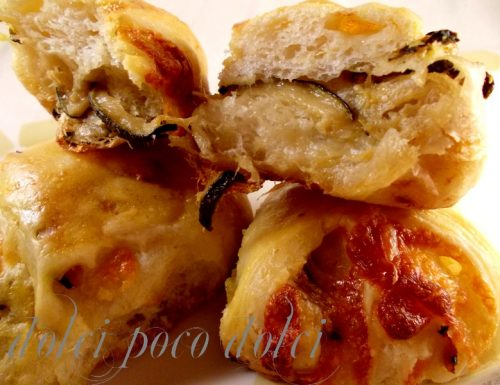 Panini con zucchine e provola ricetta finger food