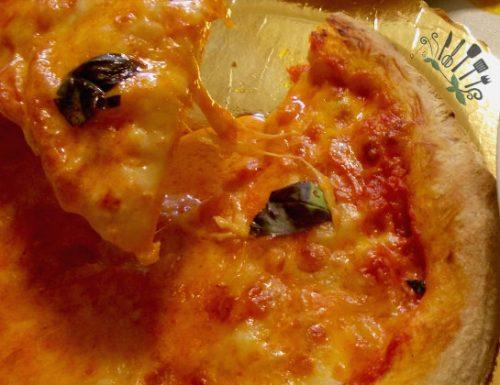Pizza napoletana ricetta salata