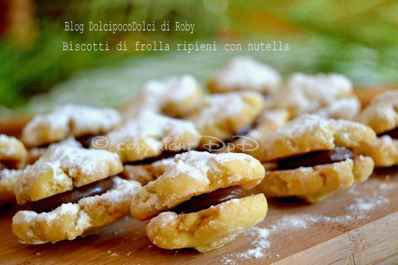 Biscotti di frolla ripieni con nutella ricetta