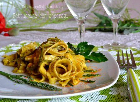 Fettuccine con asparagi