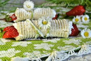 cannoli panna e fragole