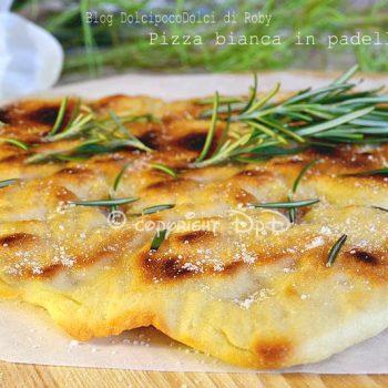 Pizza bianca in padella